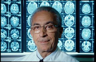 پروفسور سمیعی جراح سرشناس ایرانی